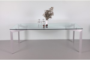 Seccose Dining Table by Makio Hasuike