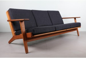 Hans Wegner Model 290 Plank Sofa