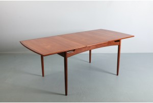 Refined G-Plan 'Brasilia' Dining Table